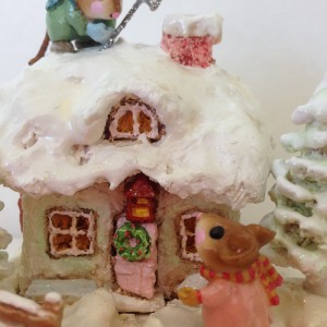 Wee Forest Handmade Mouse Figurine 'Xmas Cottage'