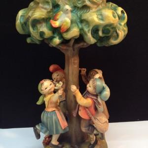 Anri Handmade Italian Wooden Figurine 'Spring Dance'